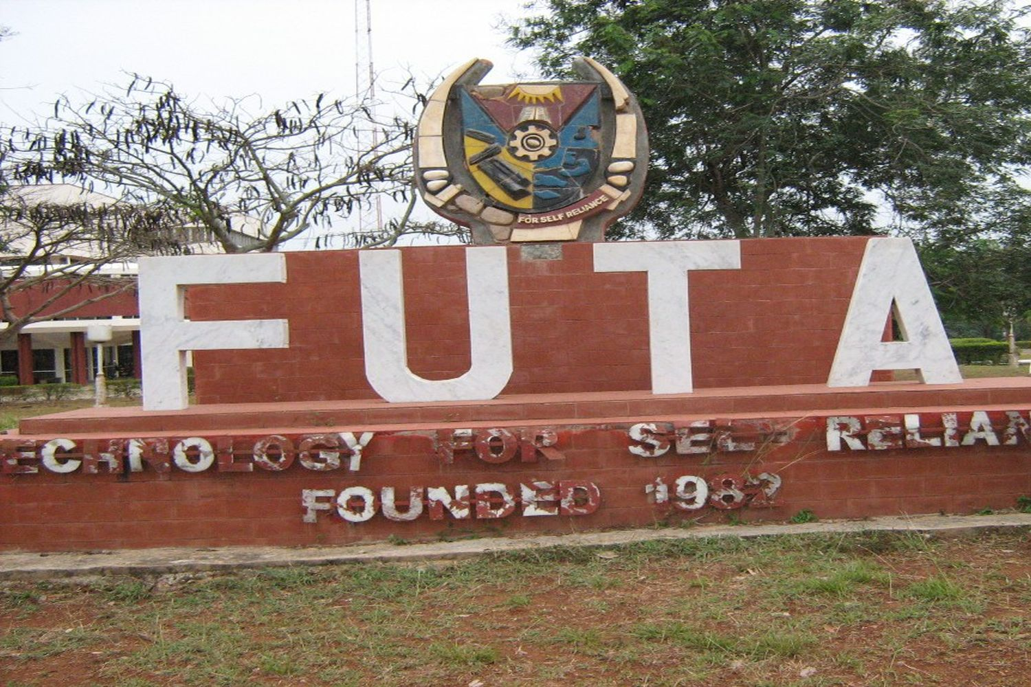 Futa Pictures with 2 futa students drown in fish pond – the glitters online